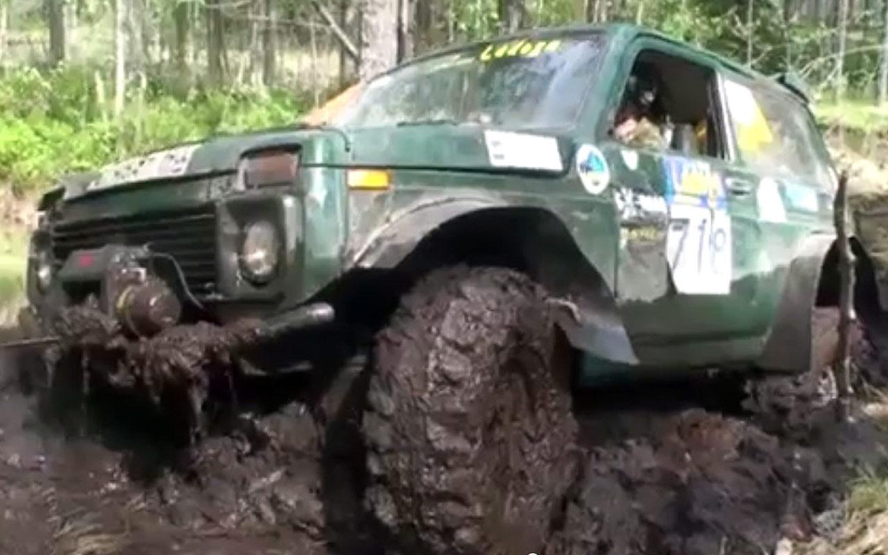 Cât de bună este Lada Niva în off-road? (VIDEO)