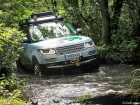 range-rover-hybrid-diesel-silk-trail-2013-in-water