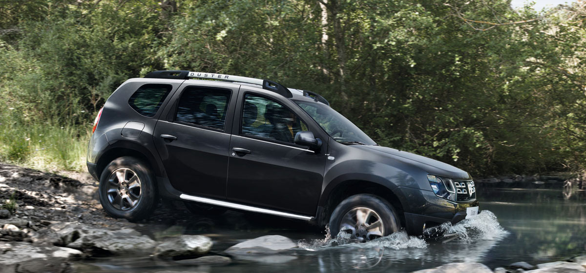 new-dacia-duster-interior-pic-water-cross