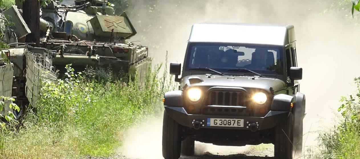 jeep j8 romania