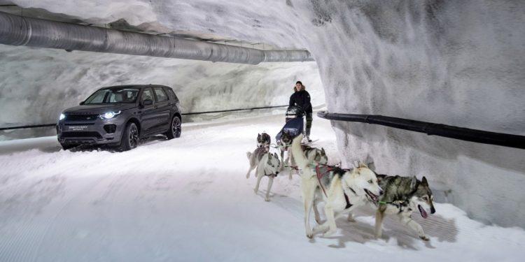 Land Rover Discovery Sport pe gheata