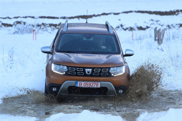 Dacia_Duster_2018_offroad_winter_fun