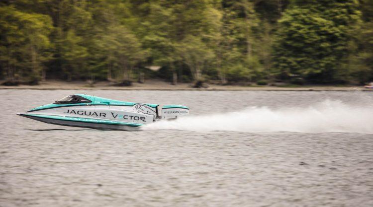 Jaguar barca electrica